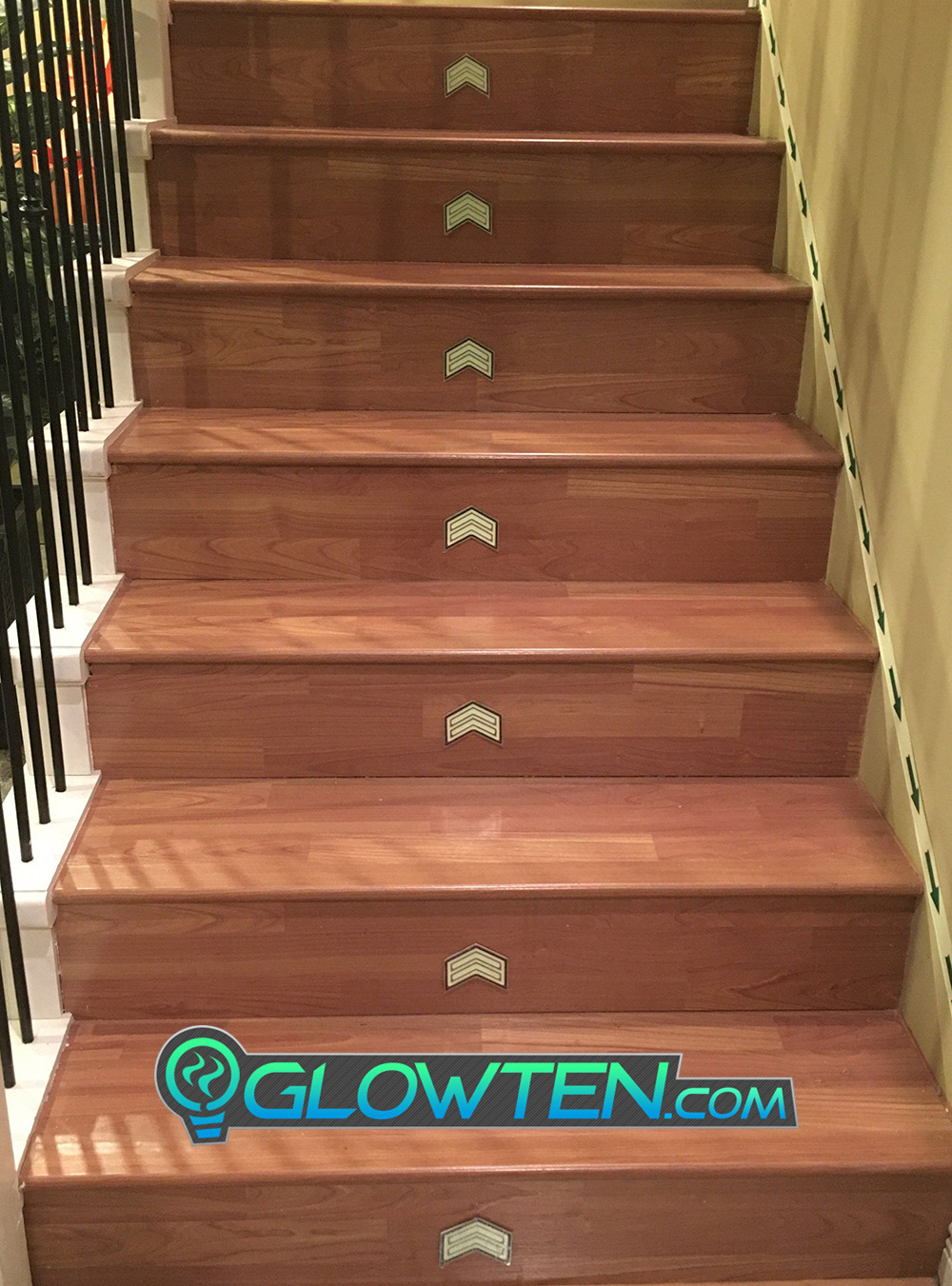 GLOWTEN.com - DOUBLE ARROWS Glow in the Dark Stairs Guide Directional Safety See Clearly At Night Metal Badge Sign light exposure picture photo cap preview pic 7
