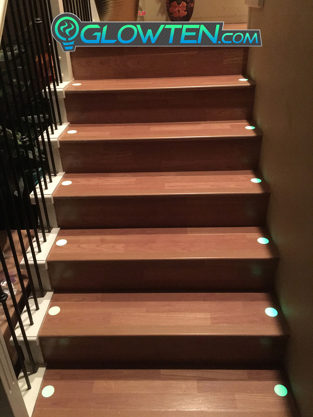 GLOWTEN.com - CIRCLE PLAQUE Glow in the Dark Stairs Guide Sign Directional Sticker Round Eco Friendly Photoluminescent Material Aluminum Body pic 4 picture photo cap preview pic 4