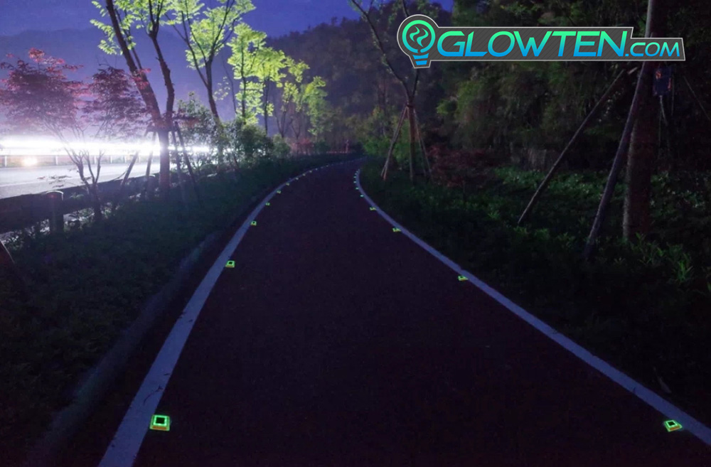 GLOWTEN.com - Rural Area Street Markings Glow in the Dark Shiny GREEN SQUARE BLOCK Riser Luminous Reflective Road Traffic Pavement Marker Road Sign Reflector ABS Body Material Botts' dots, cat's eyes picture photo cap preview pic 7
